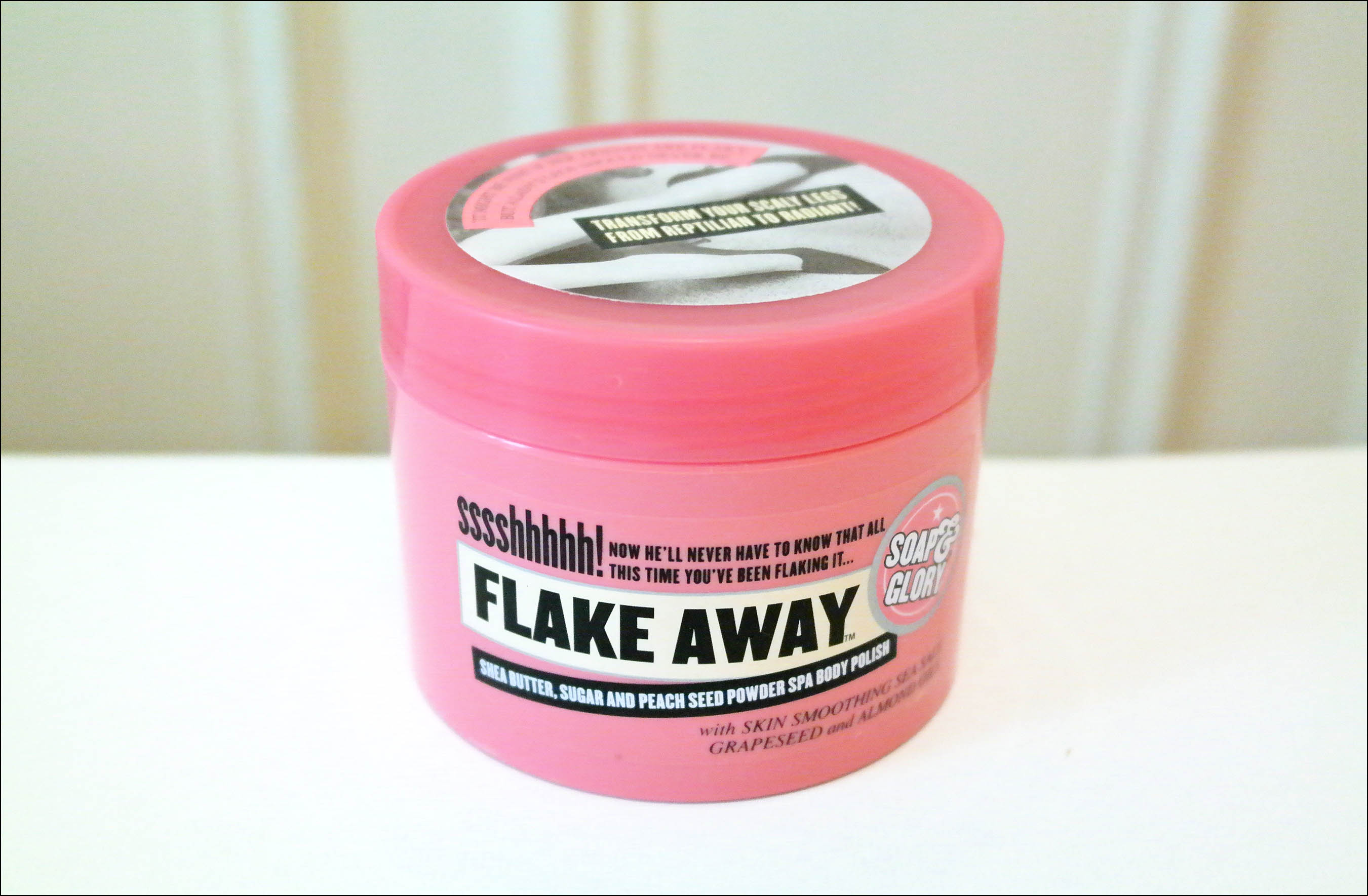 gommage, gommages corps, soap and glory, flake away
